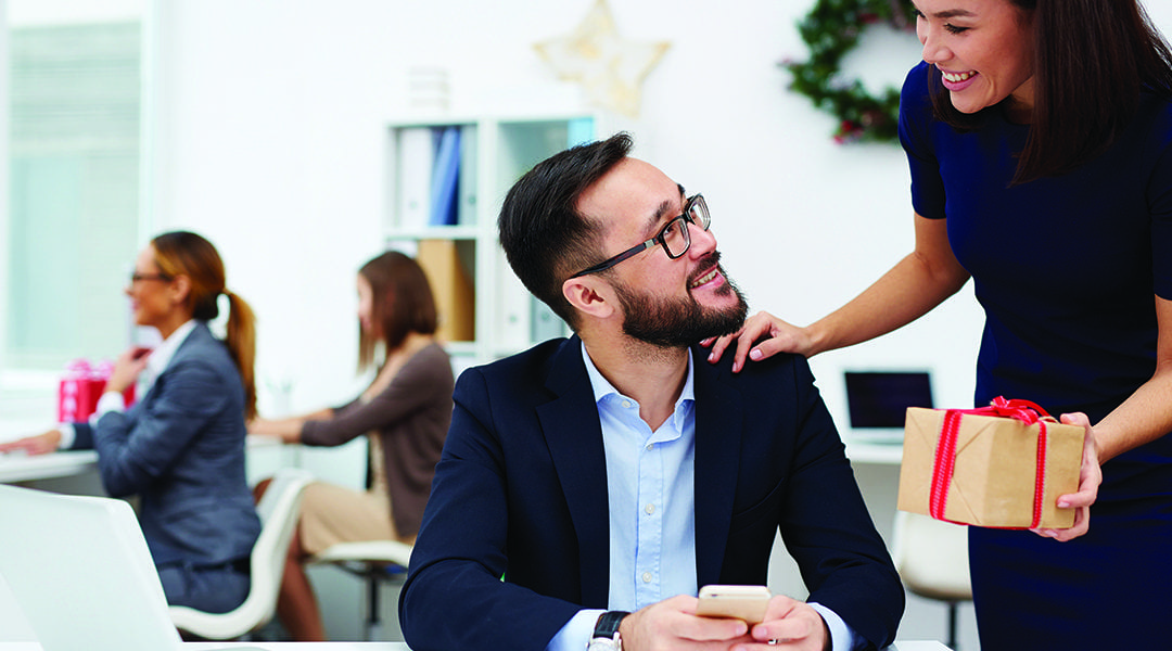 3 Ways to Give Back to Employees During the Holidays (That Don't Involve Money)
